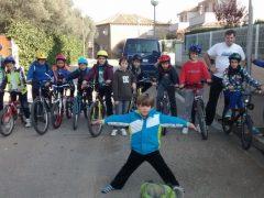 Bicicleta, cuevas de brujas, carrera de chapas, cumples,… inicio de puente ¡a tope!